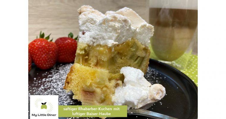 Saftiger Rhabarber-Kuchen mit luftiger Baiser-Haube